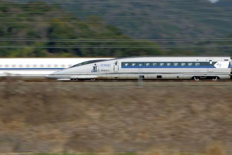 Shinkansen_221